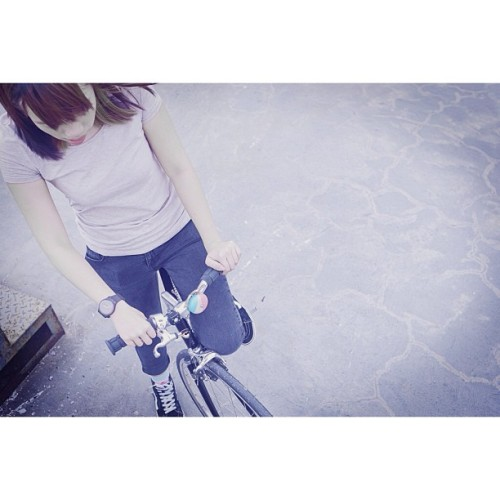 #fgg #fixed #fixie #fixedgear #fixiegirl #fixielicious #hk #hkfg #hkfgg #hongkong #hongkongfixedgear #hongkongfixedgeargirl #cinelli #cycling #bike #black #bicycle #girlsonbike #girl #supercorsa
