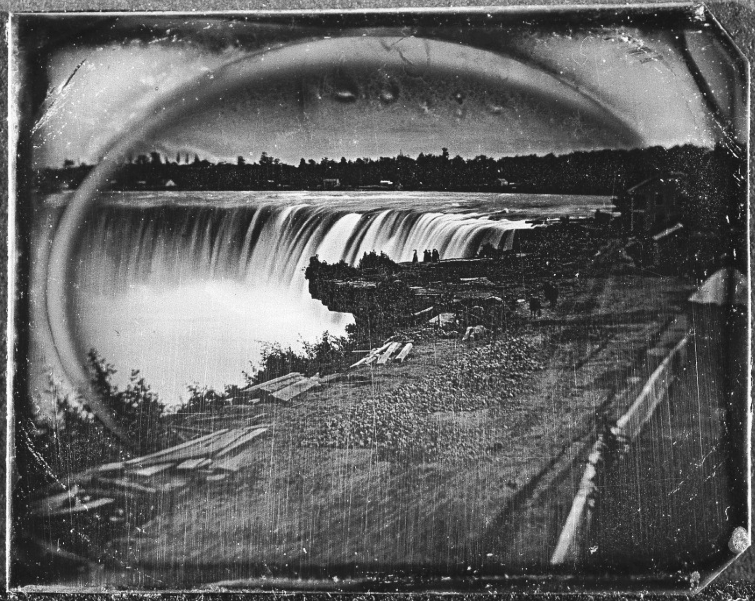 mpdrolet:  View of Niagara Falls in winter, c. 1850s Unknown photographer, part of the MMOA collection