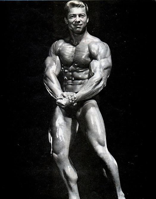 Bodybuilder Larry Dee Scott pics
