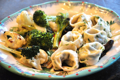 vegan-yums:  tortelloni, mushrooms, roasted broccoli and cauliflower by tofu666 on Flickr.