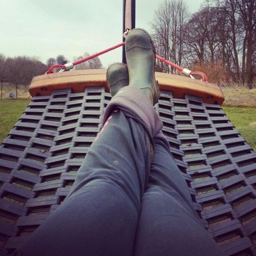 Parklife waiting for Zane #park #outside #hammock #coffeetime #legs #wellies #fuckmeitscold