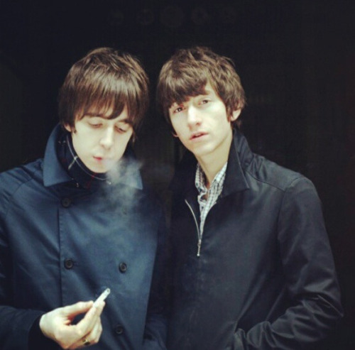 The Last Shadow Puppets!!! <3