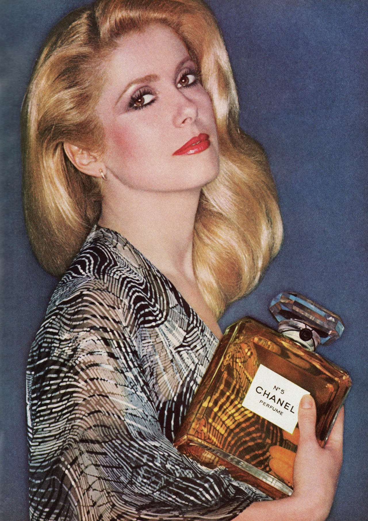 vintagebinger:  Catherine Deneuve for Chanel No. 5, 1977.