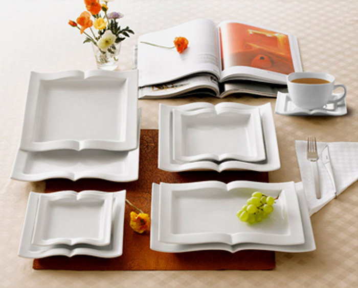 cutesign:  A must have for any bookworm are these book shape plates, smart and original like any good read. Looks great alone or stacked up.  ❥cutesign