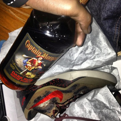 Man its my birthday lets TURN UP #BDT (bottle is done hahaha)