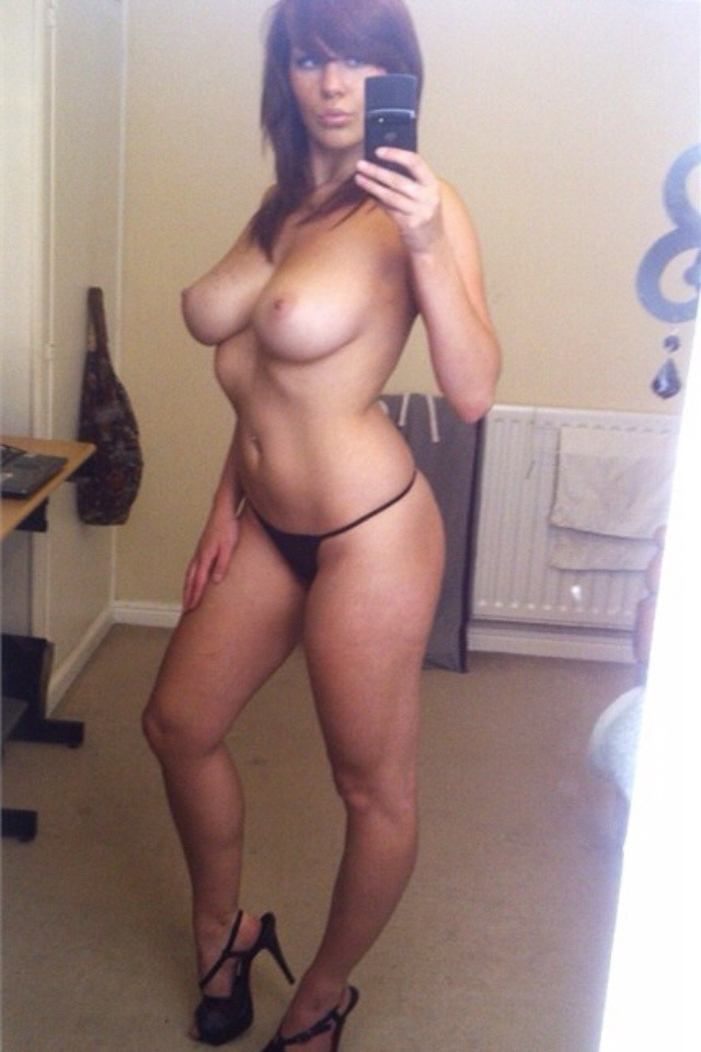 ohfappyday:  milf self shot. i would hit this like a caveman!
