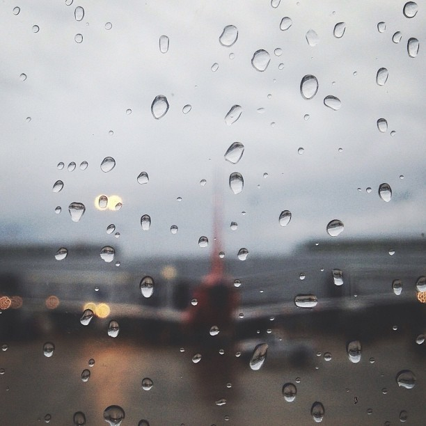 #atlanta bound. See you in a few days #chicago! #window #rain #airplane #fartoodope #picfx  (at Midway International Airport (MDW))