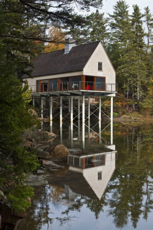 remash:  pond house  ~ eric reinholdt