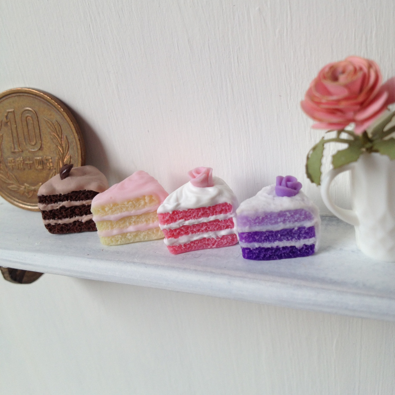 littlecakesminiatures:  Cakes are ready :)