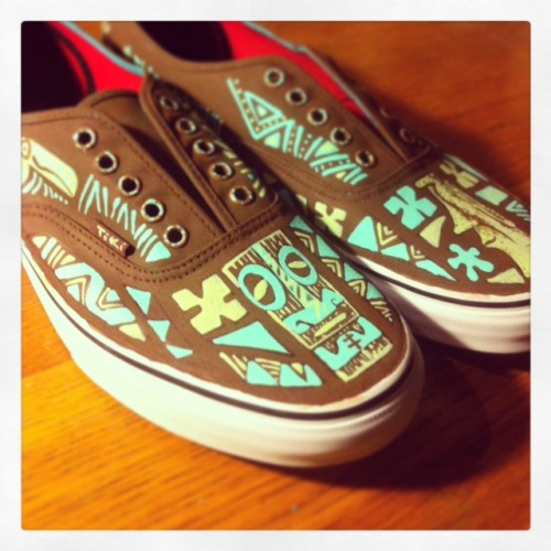 Tiki tOny custom Vans