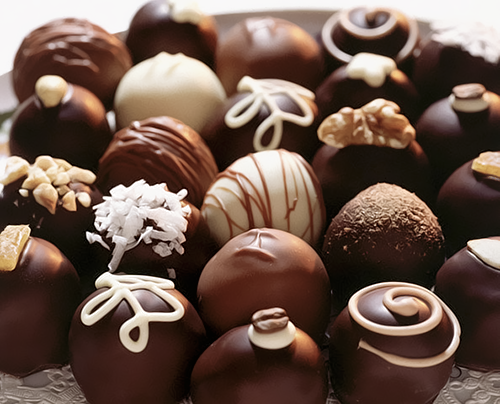 nedahoyin:  dynastylnoire:  maquinasdefax:  Gumdrops, chocolates, cookies, ice cream and stuff.  TAG YOUR PORN  Body weak….