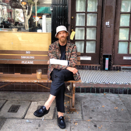manfreckles:  Have a smoke with Jason dill….check
