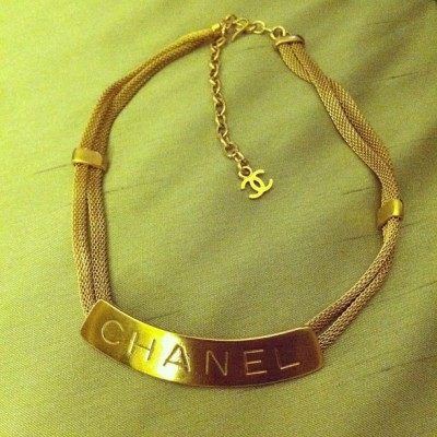 when in vegas… new vintage #chanel choker from @vintageframes #treatyoself #missklvegas
