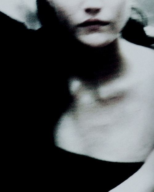 "voguelovesme:  pradaphne:  ""Enchanting Mood"", photographed by Peter Lindbergh for Vogue Italia September 1997.  ."
