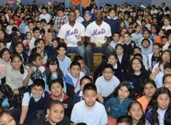 Pitchers Robert Carson and LaTroy Hawkins visited P.S. 92 in Corona today to meet with students and talk about the importance of reading. For 12 years, Mets employees have visited P.S. 92 on a weekly basis to read with fourth and fifth graders as part of the Power Lunch program coordinated by the Everybody Wins! Foundation.http://atmlb.com/18ZuKD5