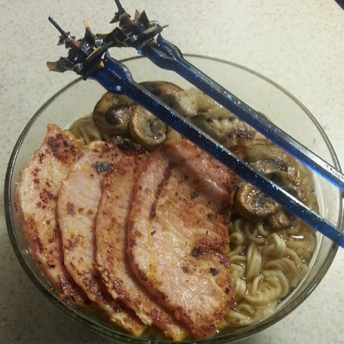 leafuu:  Found pameal bacon and shrooms in the fridge so I made myself ramen. Hello breakfast LOL forgot to eat ^^; #mark06 #Evangelion #bacon #pameal #ramen #shroooooommmmssssss