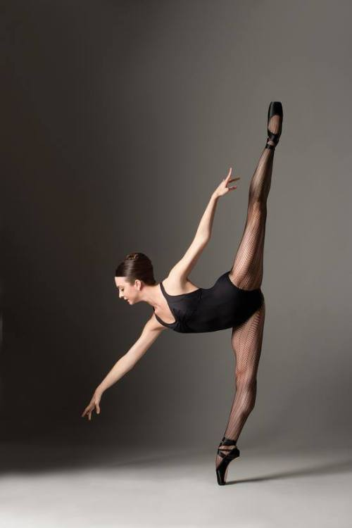 whatstheenpointe:  pirouetteforlife:  April Giangeruso modeling for Capezio  never give up. you can do it too.