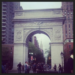 Arch + Empire State Building.  #nyc #washingtonsquare (at Arch at Washington Square Park)