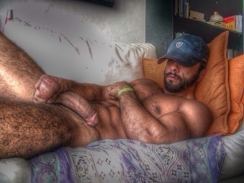 hugeboners:Hairy Hung Rugged Daddy