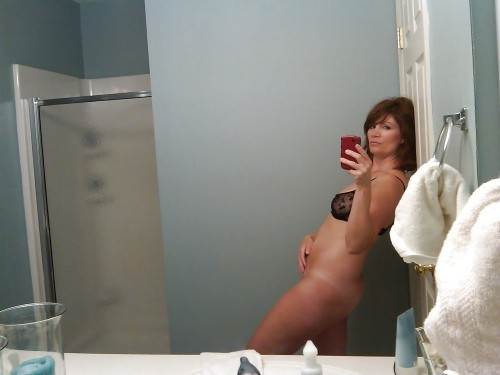 cuckwifey:  Is her cuck hubby taking pics?   id bend her over that sink