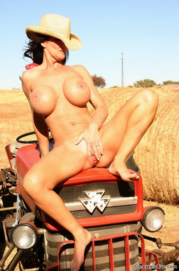 Sexy farm girls naked sex mom fuck