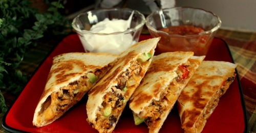 tasteelicious:  Chicken Quesadillas