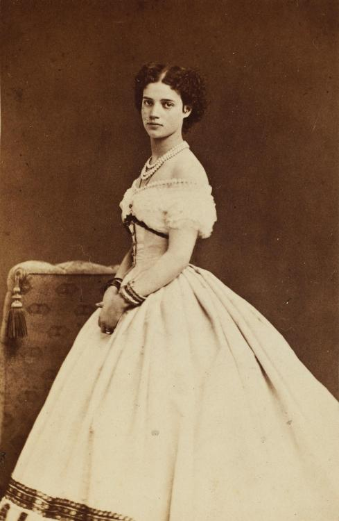 carolathhabsburg:  Princess Dagmar of Denmark, later Tsarina Maria Fyodorovna of Russia.