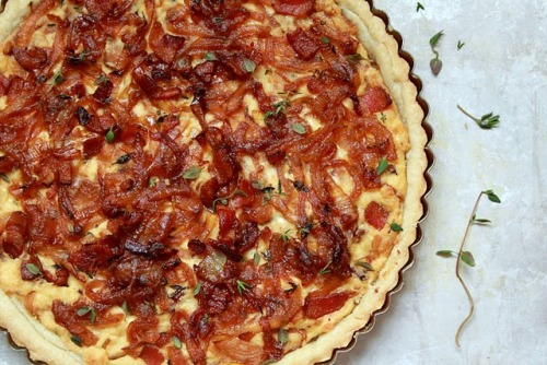 yum-yum-recipes:  Bacon and Caramelized Onion Tart