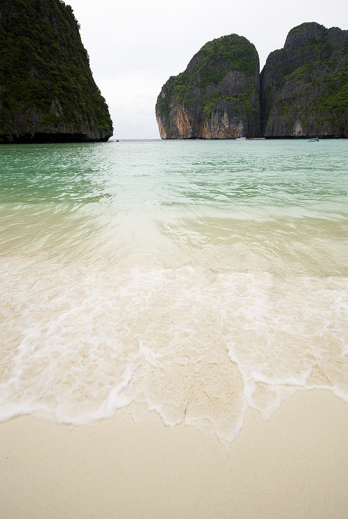 mango-tropico:  methexys:  Maya Bay | The Beach (by Smaku)  🌴 Follow me for more tropical 🌴