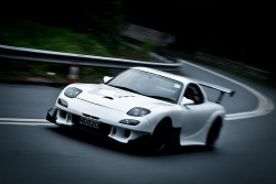 wellisnthatnice:  Mazda RX-7 RE Amemiya Super-G by Rupert Procter on Flickr.