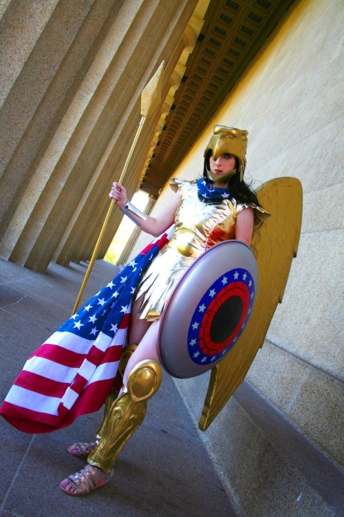 Wonder Woman (Kingdom Come) Cosplay by kelldar