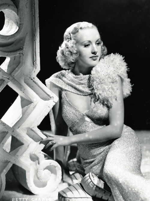 theclutteredclassicattic:  Betty Grable, 1930s