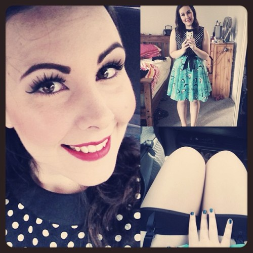missbubblegumglamour:  Mum's birthday lunch!  Your Contrast Seamed Stockings look fab with your outfit! :