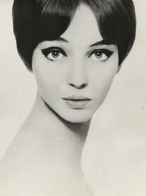 theswinginsixties:  Anna Karina photographed by Harry Meerson,1965.