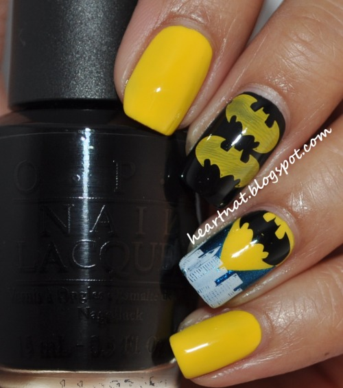 fashiontipsfromcomicstrips:  Manicure Monday: Batman nail art, by heartNAT