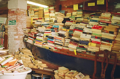 palides:  best bookshop ever by bleuets. on Flickr.