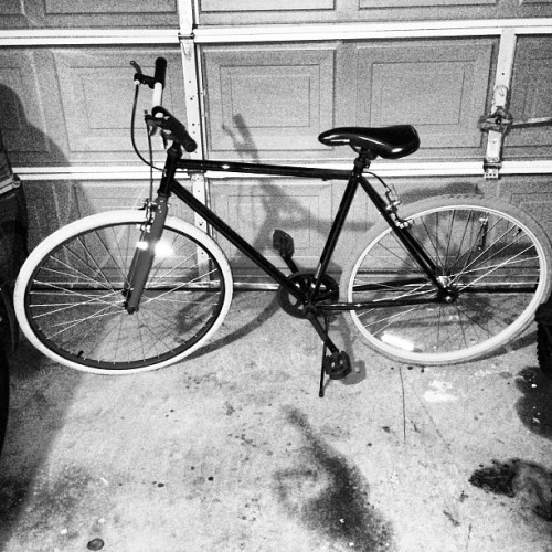 New project. Ain't she a beut? #fixie #fixedgear #bike #project #fixiegangordie