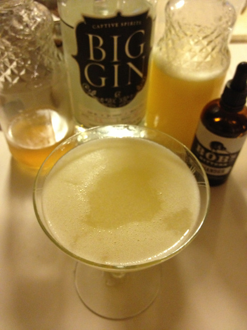 Meyer Gin Blossom 1 1/2 oz gin 1 1/2 oz Meyer lemon juice 1/4 oz honey simple syrup 2 dashes coriander bitters Combine all ingredients over ice and shake until well chilled. Double strain into a cocktail glass.