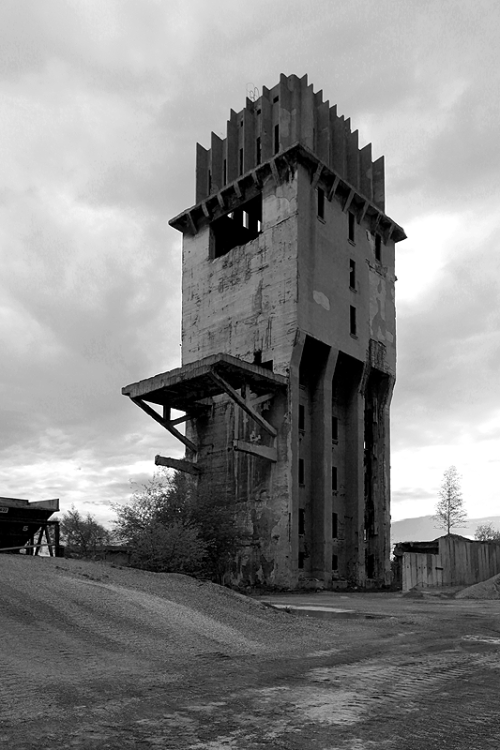 eastberliner:  abandoned tower , szczecin/poland 2013