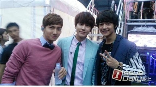 Changmin, Minho & Kyuhyun - SMTOWN Live: Tour in Singapore & Bangkok (Backstage Photos)