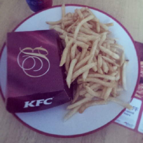 Can I get anymore fries with my meal? #me #fries #kfc #food #loads