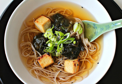 Buckwheat Soba Noodles in Ginger Broth with Grilled Beancurd (by… http://bit.ly/10kd2WZ