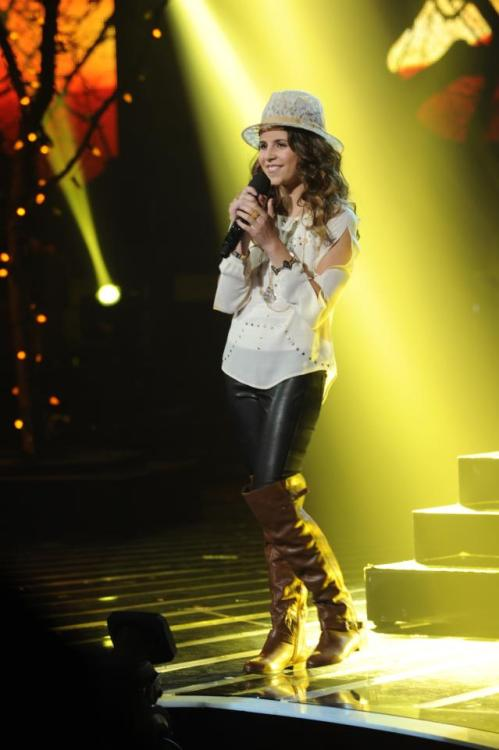 WE LOVE YOU @CarlyRoseMusic !! YOU ARE SO AMAZING! YOU ARE A LITTLE DIVA!! I'M LOOKING FORWARD TO YOUR LONG MUSIC CAREER AND CAN'T WAIT TO BUY YOUR ALBUMS! THIS IS ONLY THE BEGINNING OF AN AMAZING, SUCCESSFUL, JOURNEY! XOXO