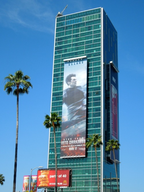 Giant Benedict Cumberbatch billboard for Star Trek Into Darkness:http://www.dailybillboardblog.com/2013/04/star-trek-into-darkness-movie-billboards.html