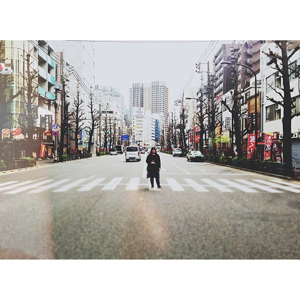 Tokyo #latergram, walking the streets of Jimbocho. I was waiting for the minivan on the left to move a bit further away before I shot the photo, bit there was a bunch of traffic coming behind me! Almost #deathbyinstagram!