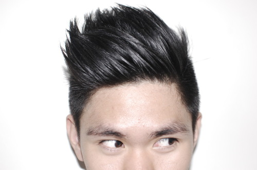 New Hurrcut! I'm not sure kung anung date ako exactly nagpagupit but I know it was around the last weeks of February, kasi I had so much free time nung mga weeks na yun so I went for it! (lol conyo) Trying to grow out the top part kasi I want to brush up my hair because I think that it's this year's hairstyle. Got my haircut at Bench Fix Salon and this might sound weird but I was having fun watching the stylist cut my hair! (Lol but he didn't look attractive though. Haha!). Looking at my hair slowly changing shape feels, and looks nice. It's like I'm leaving the old me and a new me rose from its ashes. Ooookay.