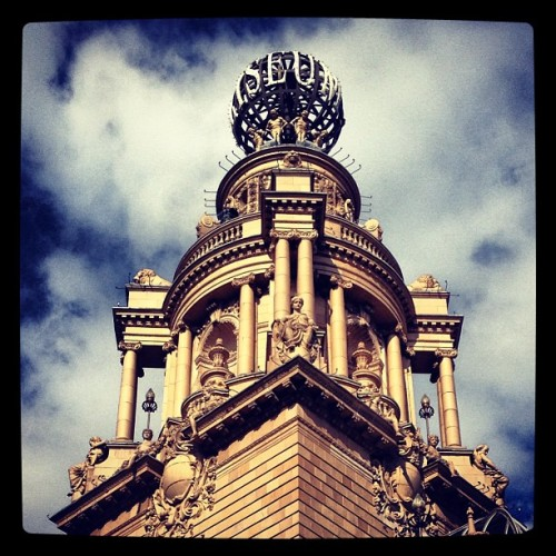 #london #coliseum #architecture #trafalgar #square #sky #dramatic #statue #skyline (at The London Coliseum)
