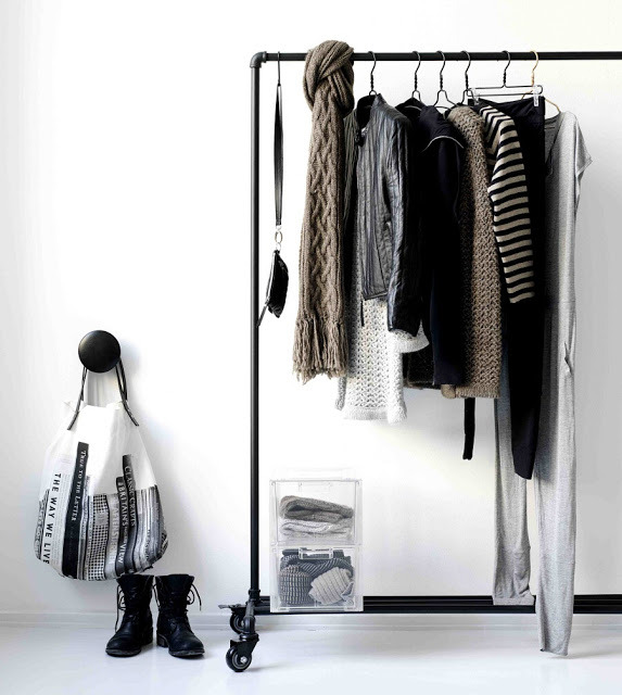 josefinaleniz:  Clothes rack