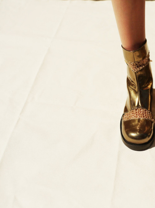 Really want these   Simona Vanth x Arielle de Pinto boots