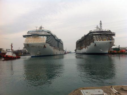 Royal Princess and Regal Princess http://www.pazzoperilmare.com/